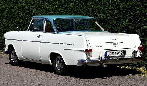 Leipzig Oldtimer Verkauf Foto: Opel Rekord Coupe P2  Heckansicht