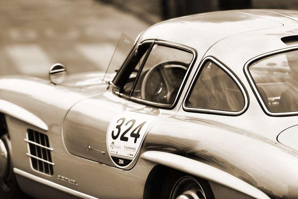 Foto: Mercedes Sportwagen Coupé 300 SL mit Flügeltüren